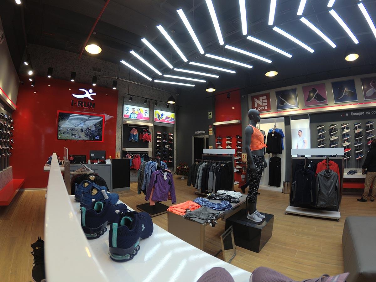 Equipamiento Tienda I-Run, Mall Aventura Santa Anita